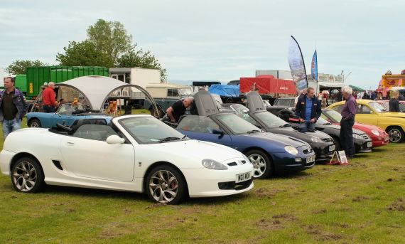 The Club organises various activities through the spring, summer and autumn, comprising road runs, weekends away and attendance at classic car shows. For more information, click or tap on the photo.